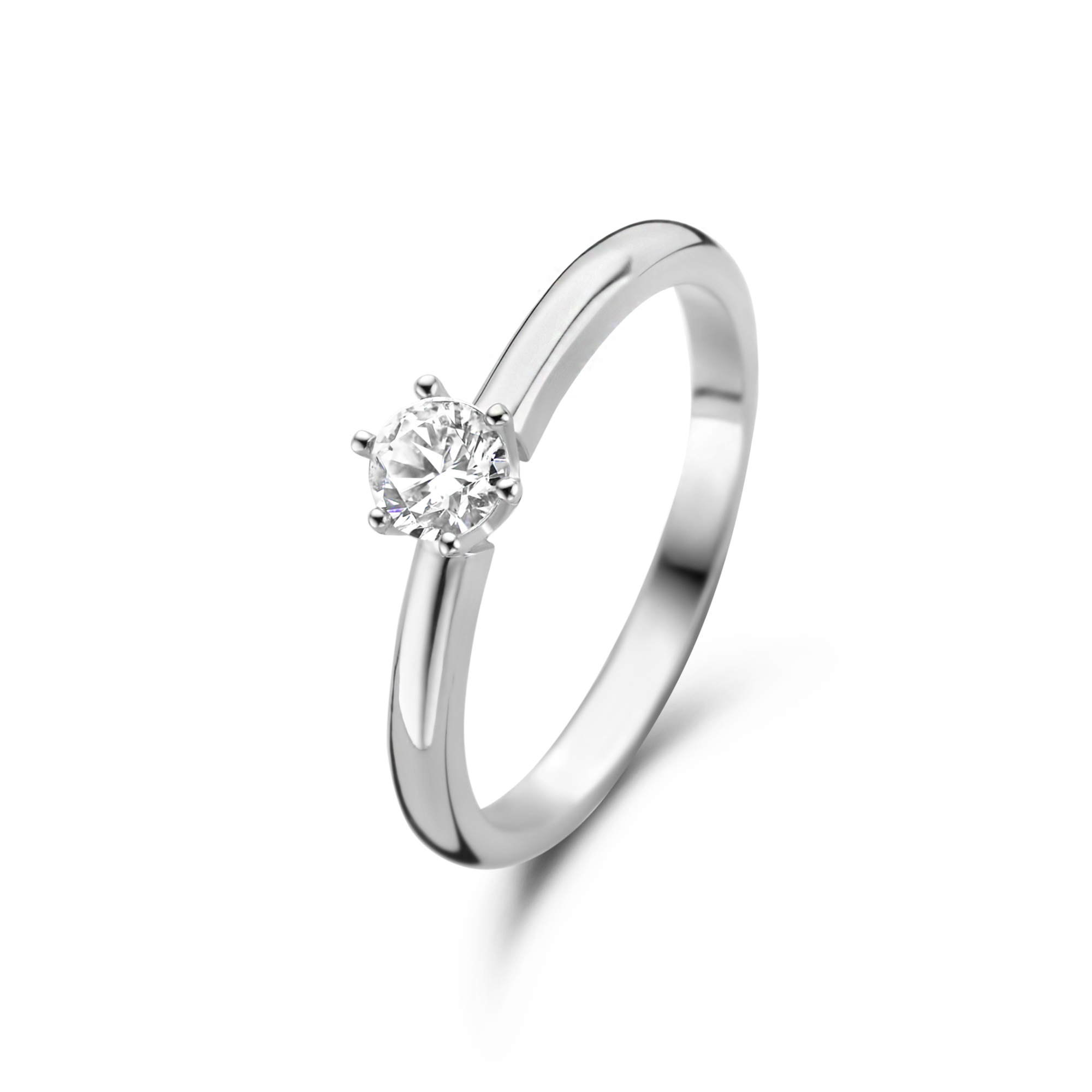 Zilveren solitaire ring gezet met zirkonia steen van 4mm.