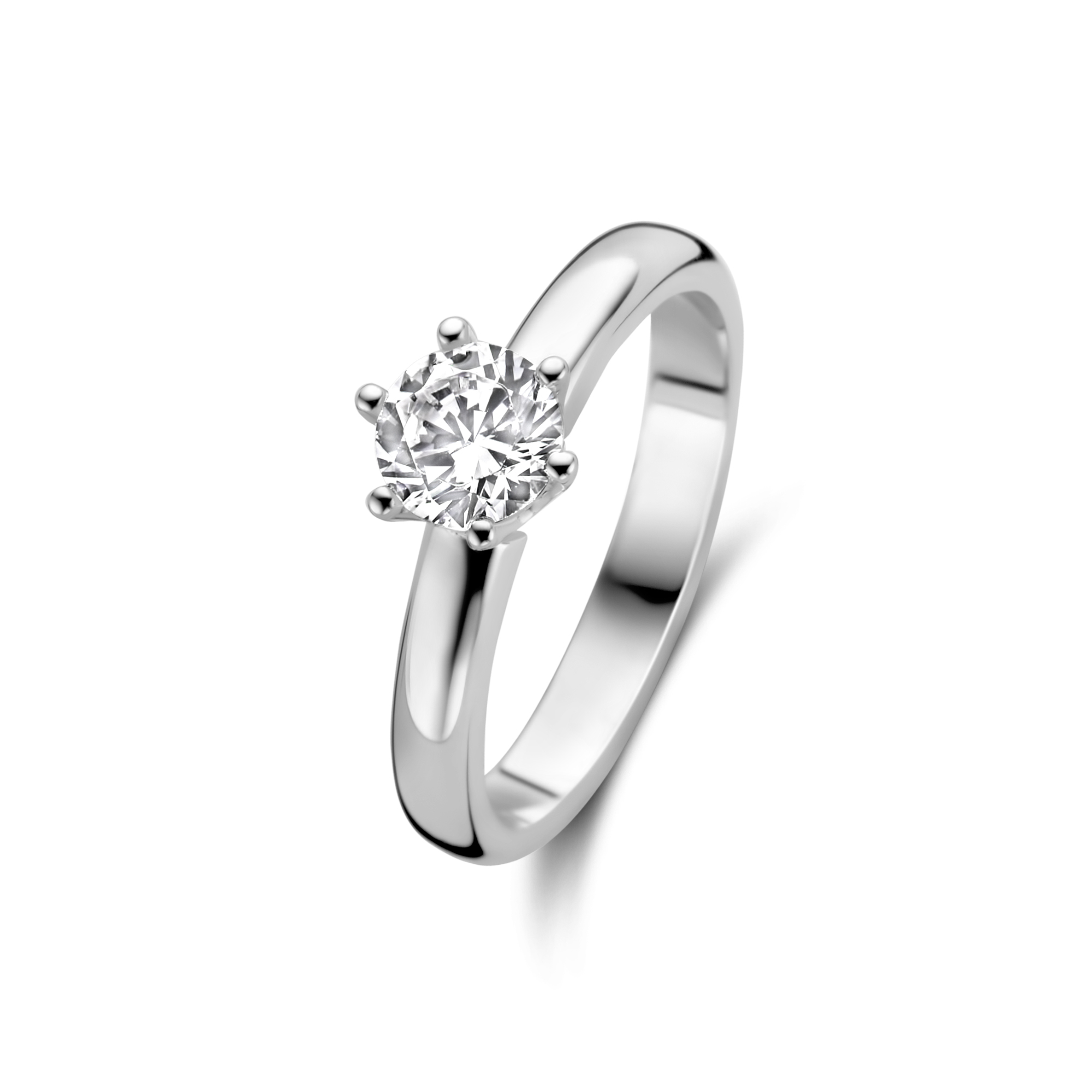 Zilveren solitaire ring gezet met zirkonia steen van 5,5mm