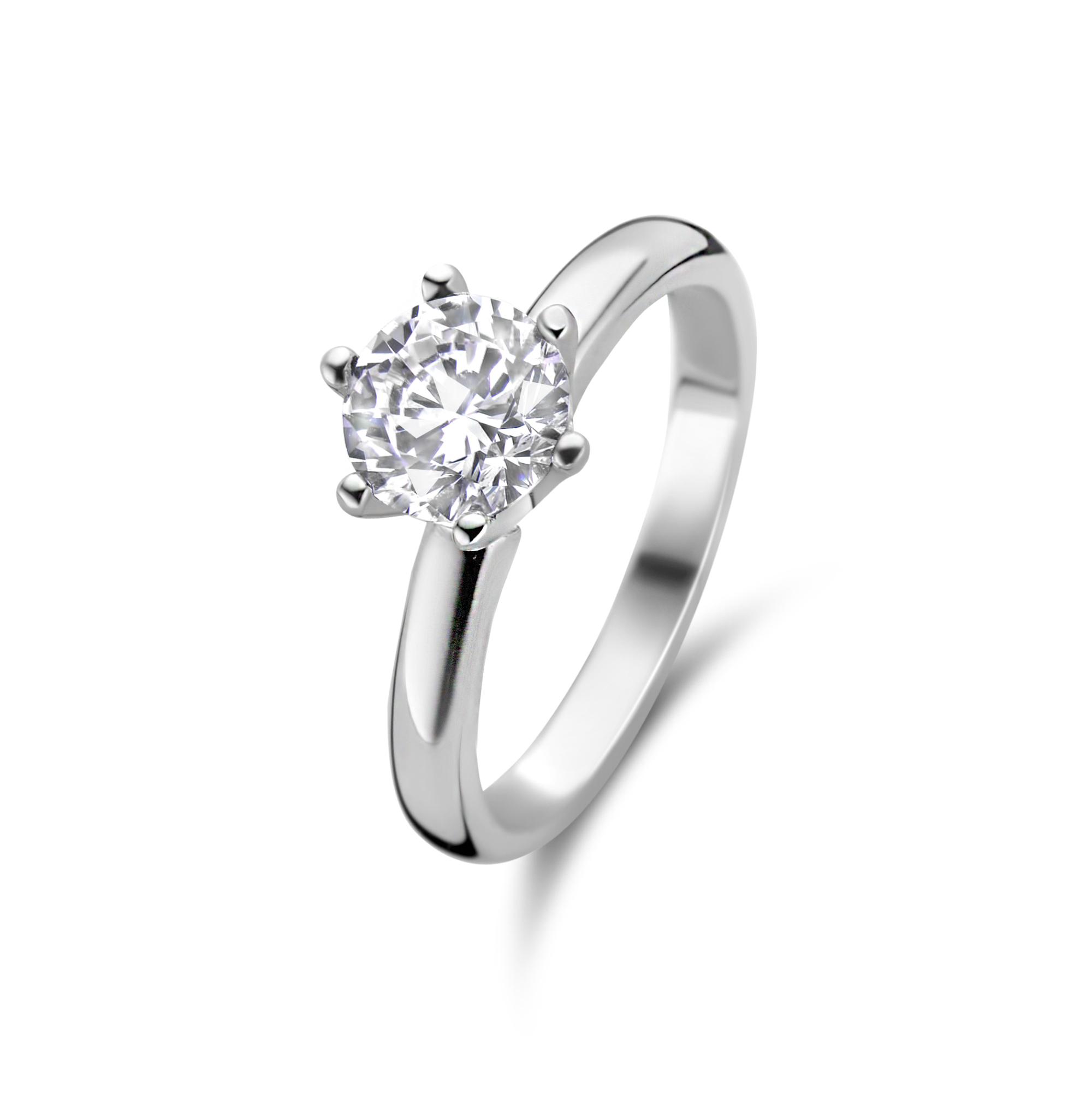 Zilveren solitaire ring gezet met zirkonia steen van 6,5mm