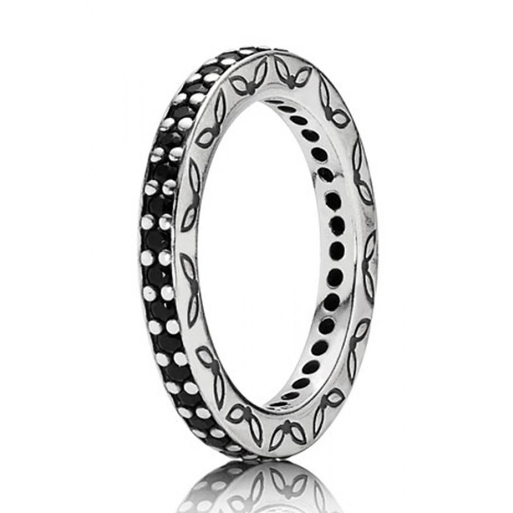 Zilveren ring met zwarte zirkonia 190618NCK